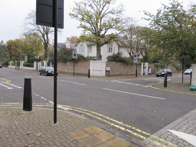 Norfolk Road where  it is crossed by Woronzow Road