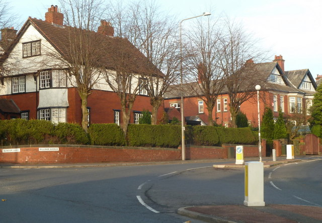 Houses at the corner of Billinge Avenue and Buncer Lane