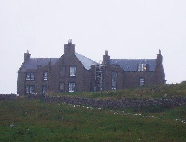 Lunna House