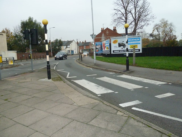 Zebra crossing at the junction of Gosbrook Road and George Street
