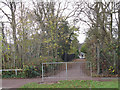 SP8633 : Public footpath off Sherwood Drive by Stephen Craven