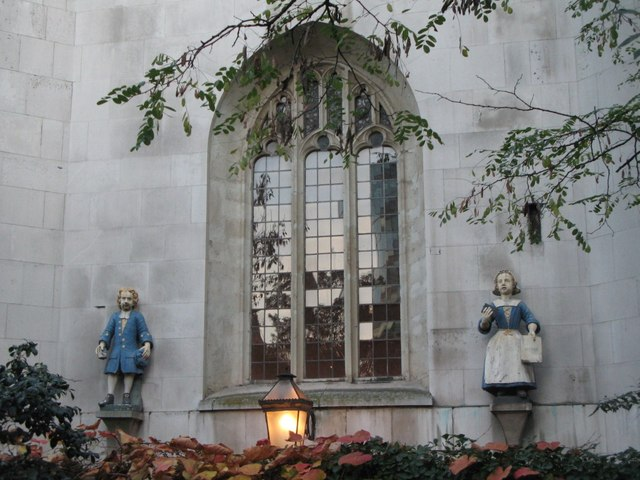 St. Andrew's Church, St. Andrew's Street / Holborn Viaduct, EC4 - Bluecoat boy and girl statues