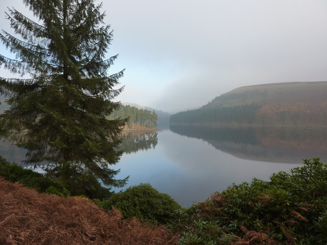 Morning mist clearing, Howden Reservoir