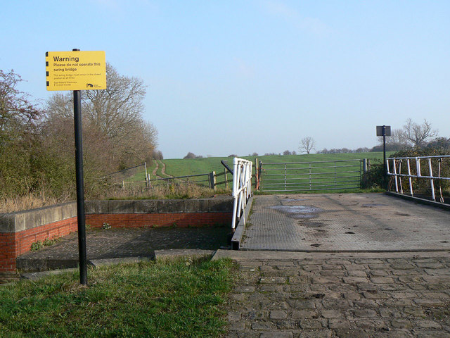 Swing bridge 31 near Hickling