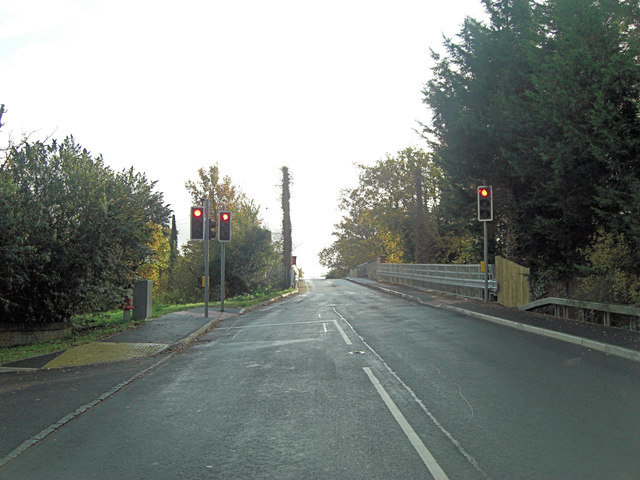 Padworth Lane traffic lights on railway bridge