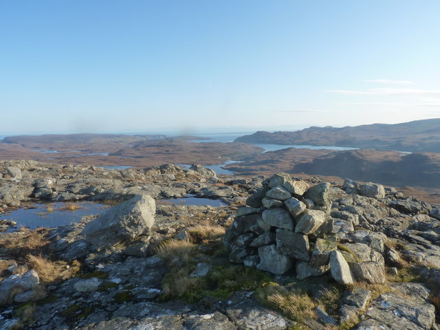 Cairn on Beinn Mheadhanach with Eisgein Lodge in the distance