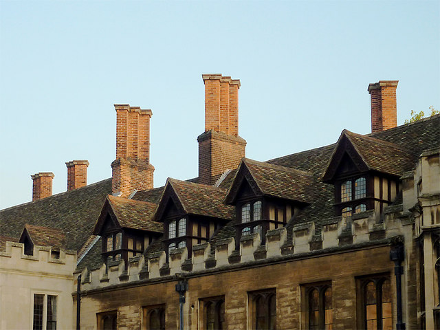 Penthouse Accommodation In Old Court 169 Roger Kidd