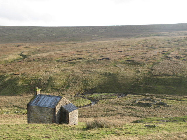 (Former) mine shop and sheepfold by Gilderdale Burn