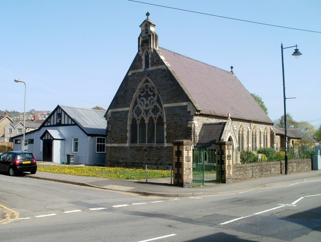St Margaret's Church and church hall, Pontymister