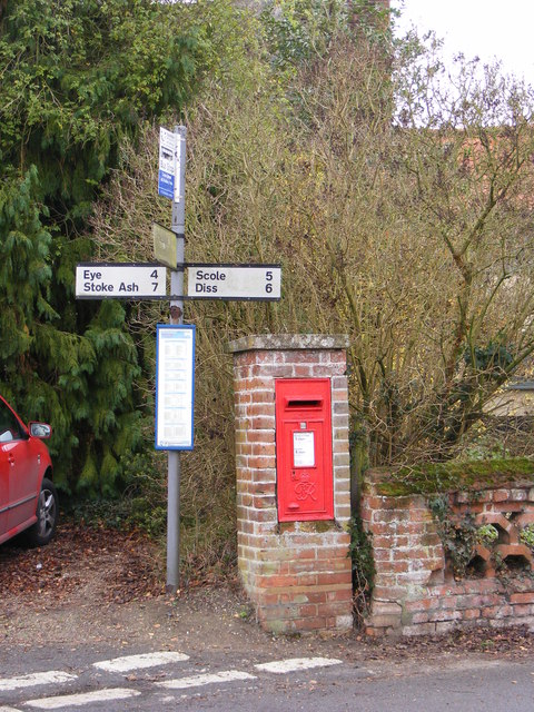 Roadsign & Cross Street Pump George VI Postbox