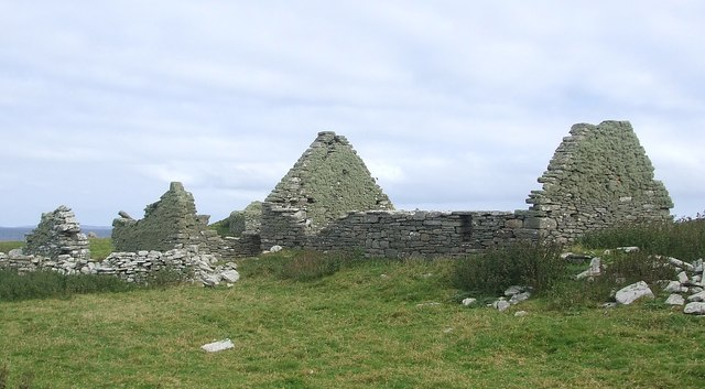 Ruined cottages at Cullingsburgh