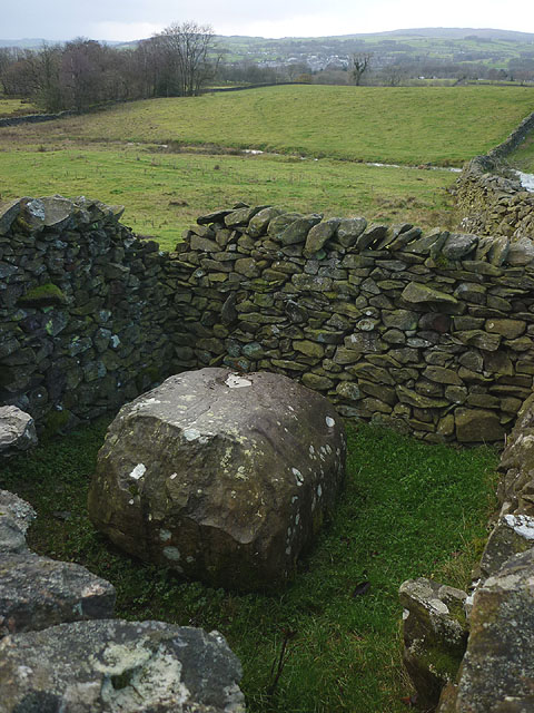 An Andy Goldsworthy sheepfold on Fellfoot Lane