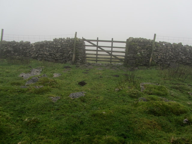 Lonely Gate high above Middle House Farm