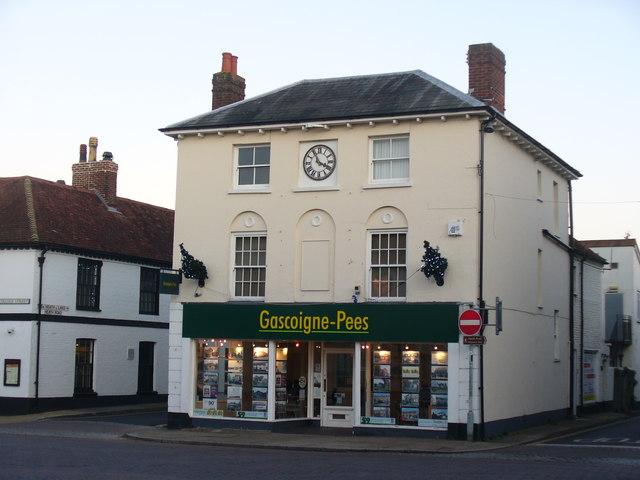 Gascoigne-Pees, Petersfield