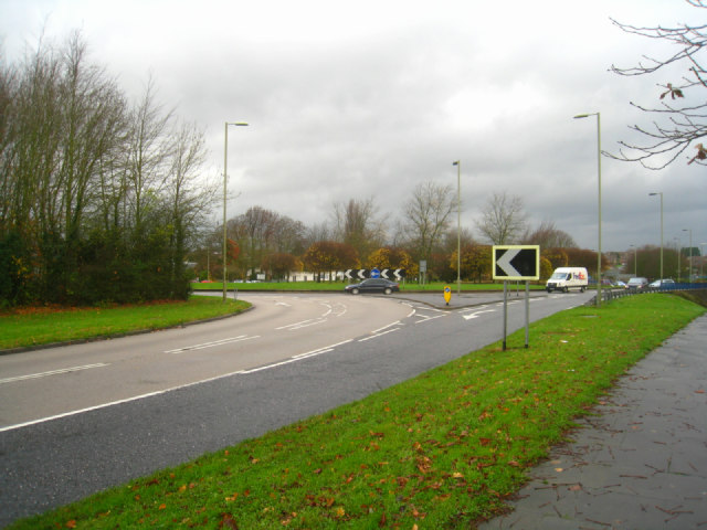 Approach to Brighton Hill roundabout