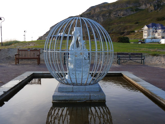 Lewis Carroll and Alice Liddell memorial sculpture, Llandudno