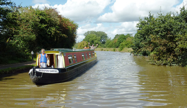Wes and the Cotswolds c boating holidays. Narrowboat, barge