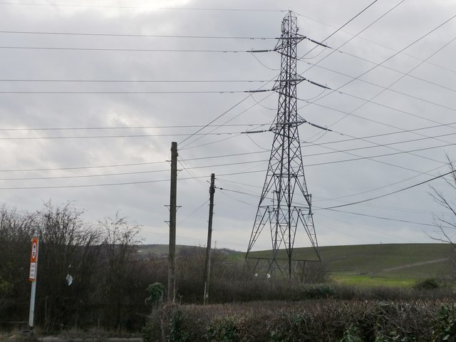 Criss-crossing wires, Newsam Green