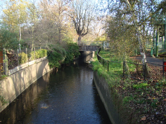 View of the railway crossing the Ravensbourne #2