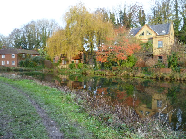 Houses by the disused canal in Winchester