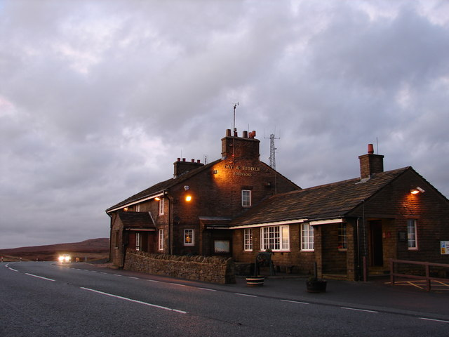 Cat & Fiddle
