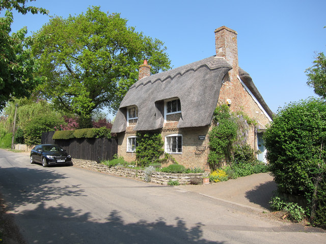 Thatched house, Broughton