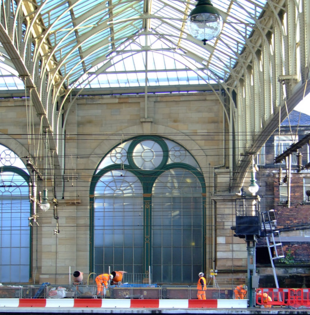 Platform reconstruction at Glasgow Central