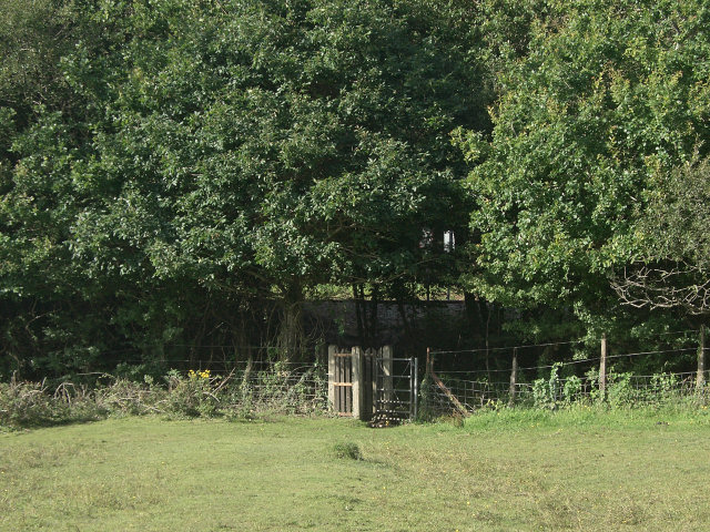 Southern entrance to railway crossing near the former Cefn Junction