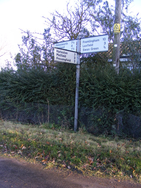 Roadsign at Silverley's Green junction