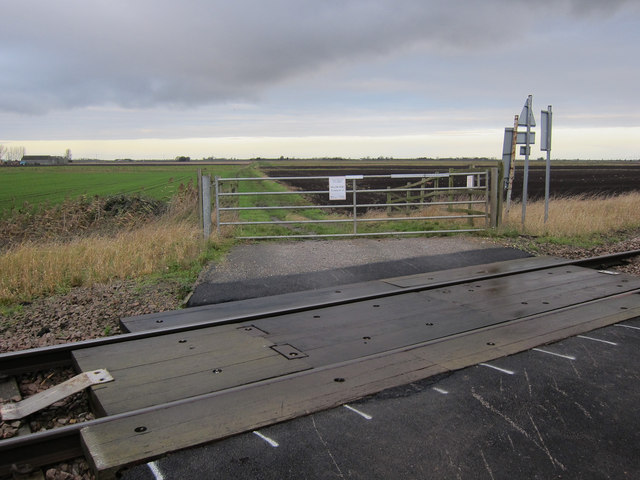 Willow Row Drove level crossing