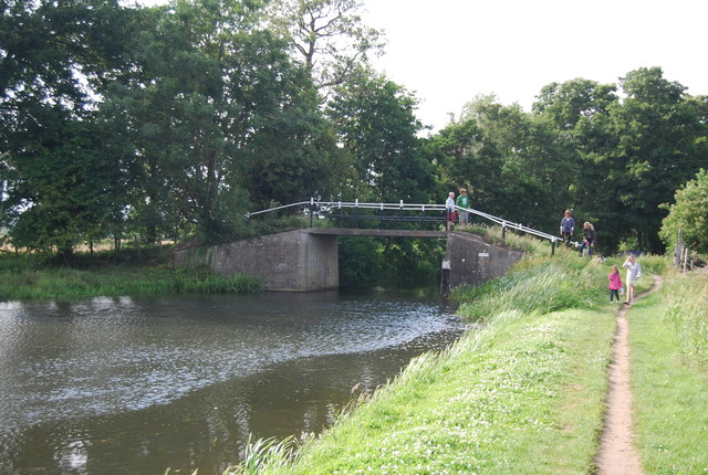 Footbridge over the Wey Navigation
