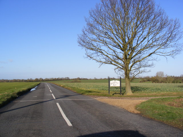 B1116Laxfield Road and the entrance to Chippenhall Hall