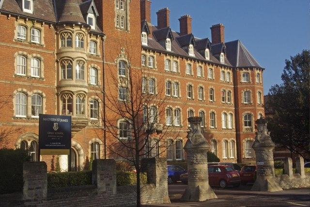 Hotels Near Malvern College