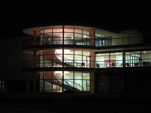 De La Warr Pavilion at night