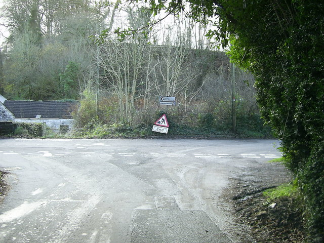 Road junction, Cwmisfael