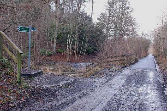 Path junction with the Dalkeith - Penicuik cycleway