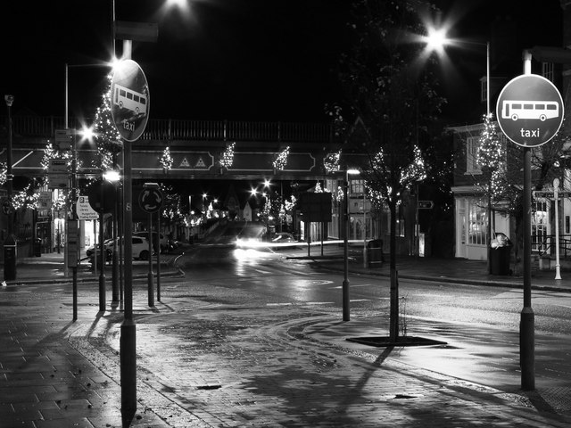 Night-time in the High Street, Hungerford