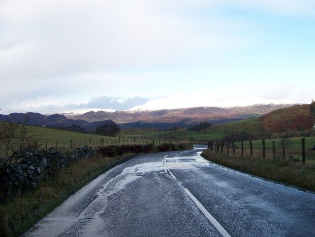 B827 heading north to Comrie