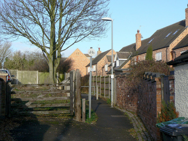 Footpath to East Road