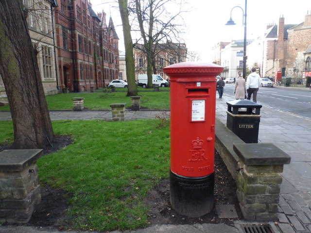York: postbox № YO1 23, Duncombe Place