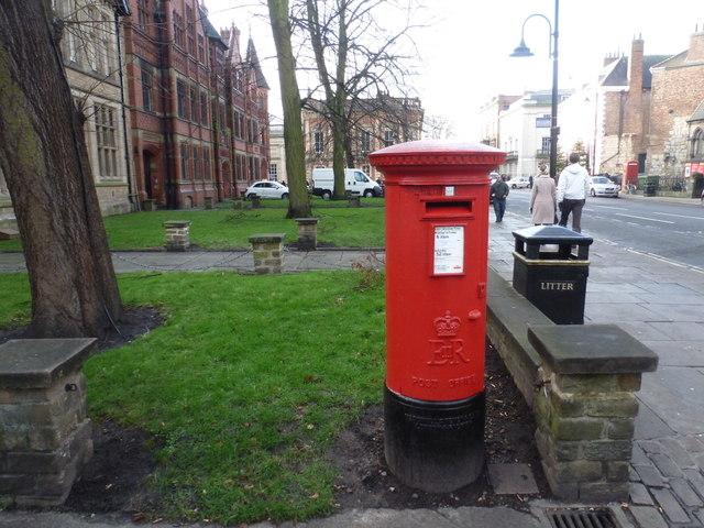York: postbox № YO1 23, Duncombe Place