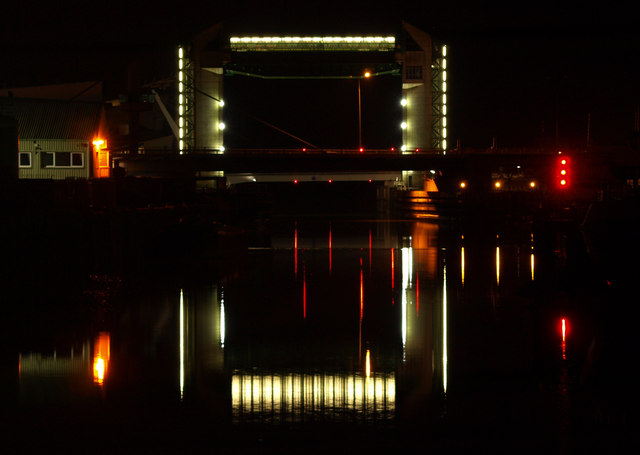 Hull Tidal Barrier and its Reflection