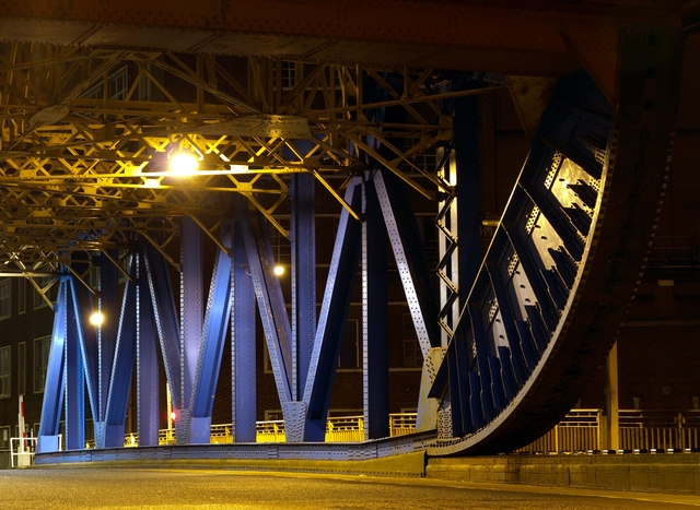 Drypool Bridge at Night