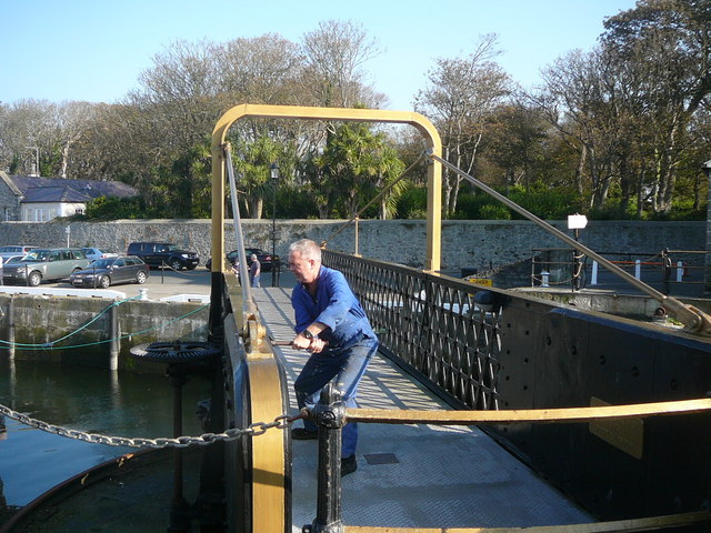 Opening the swing bridge at Castletown Harbour