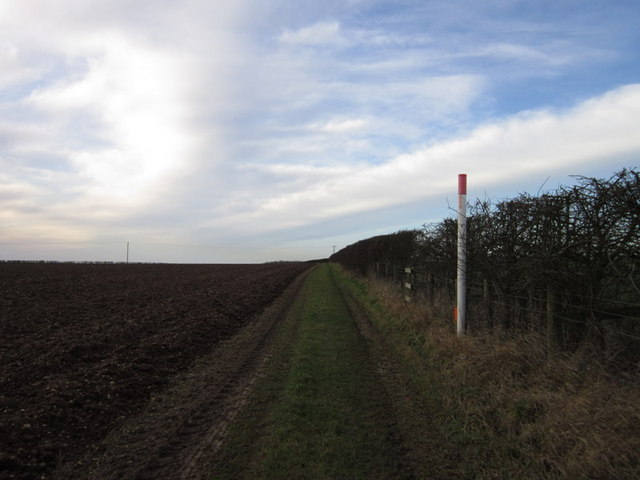 A bridleway towards Normanby le Wold