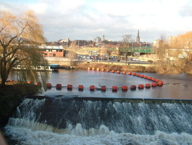 Weir on the Calder, Wakefield town centre