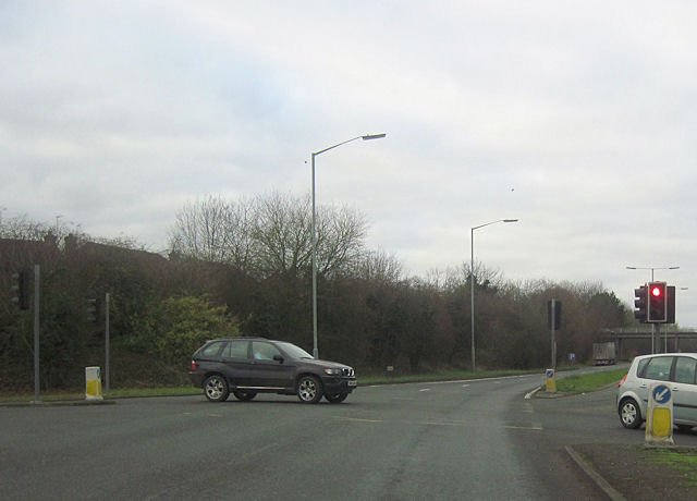 Road junction at start of Droitwich by pass