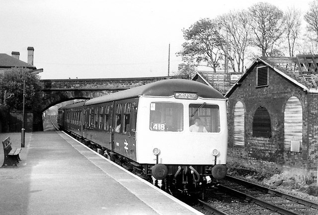 Cravens DMU at Bromsgrove, 1978
