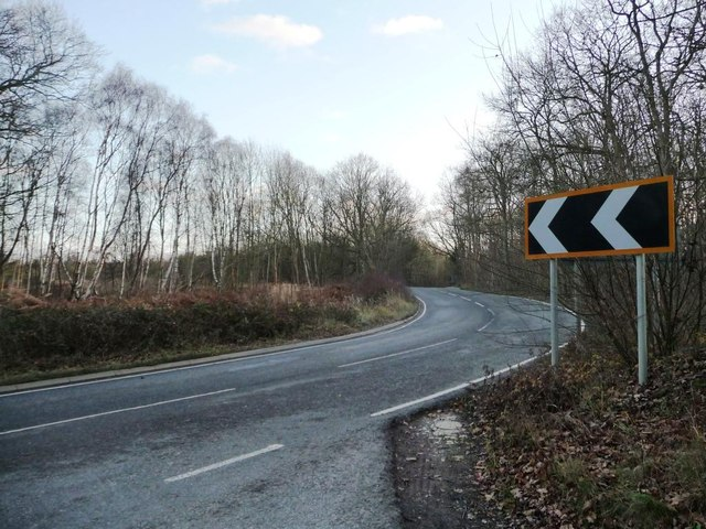 Bend in the road to King's Cliffe