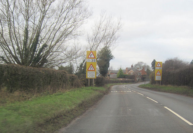 A49 into Woofferton from the south